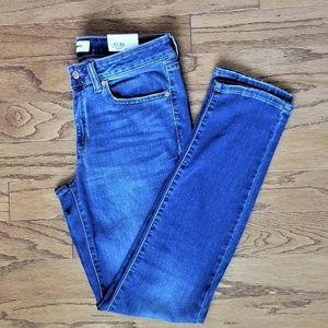 Woman's Skinny Jeans 8R Mid-Rise Medium Wash NWT